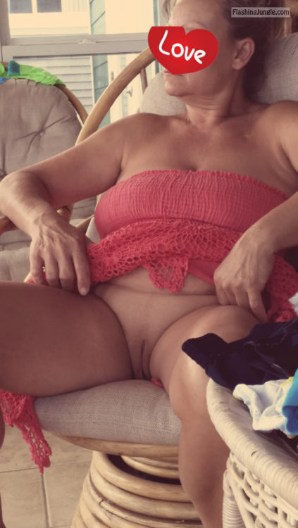 Pussy Flash Pics Public Flashing Pics No Panties Pics Mature Flashing Pics Hotwife Pics