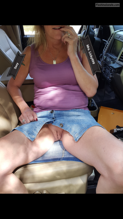 licky999: naughtydare: Hope not to late!!! Mrs. Just never... pussy flash no panties mature howife