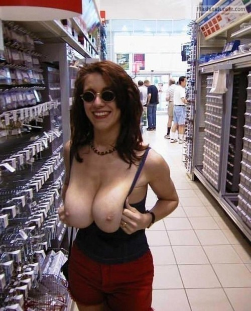 Photo public flashing howife flashing store boobs flash