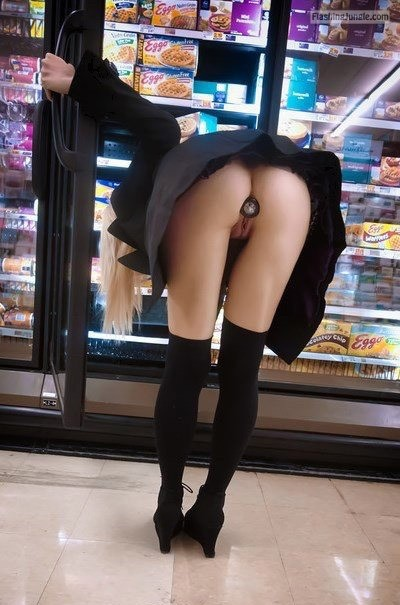 Butt plug no panties ass flash store upskirt public flashing flashing store ass flash