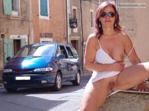 Photo pussy flash public flashing no panties howife boobs flash