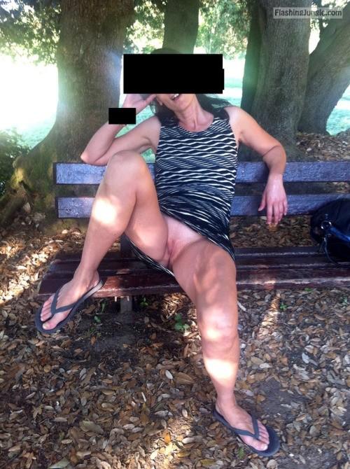 Pussy Flash Pics Public Flashing Pics No Panties Pics Mature Flashing Pics