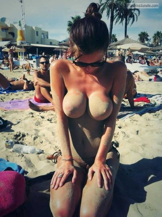 Public Flashing Pics Nude Beach Pics Boobs Flash Pics