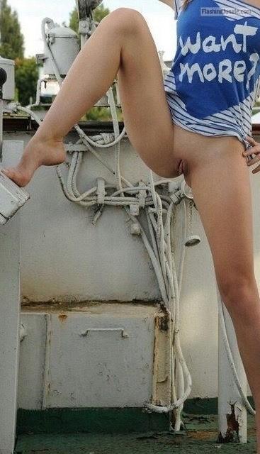 Pussy Flash Pics Public Nudity Pics No Panties Pics