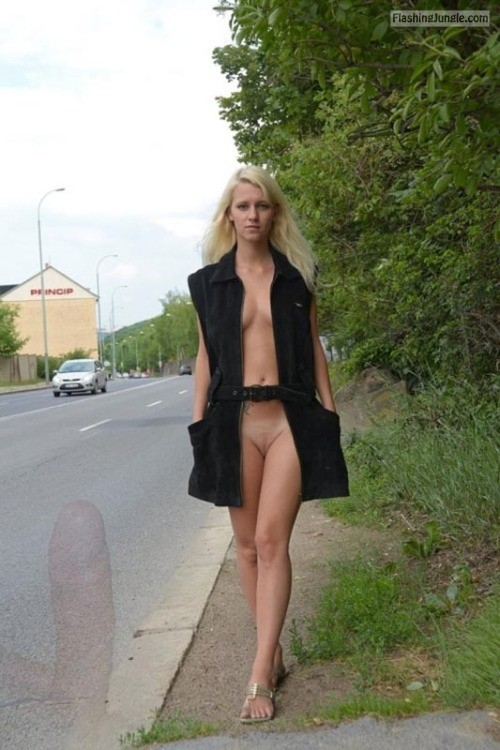 Photo public nudity public flashing