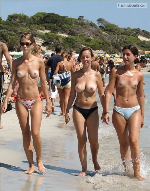 pics of amateur beach boobs