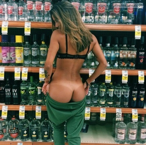 Photo public flashing no panties flashing store ass flash