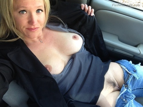 Photo pussy flash public flashing no panties milf pics mature howife boobs flash