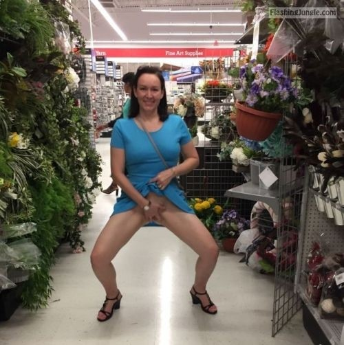 Milf in store flash