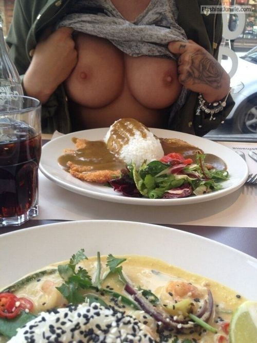 Public Flashing Pics Boobs Flash Pics