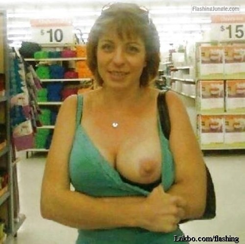 Amateur milf flashing tits