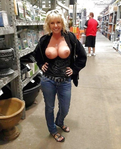 Huge Tits Public Flash