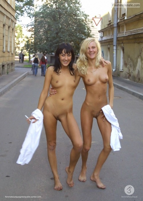 girls Naked college
