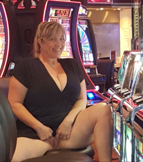 Chubby blonde cougar casino upskirt pussy flash public flashing no panties milf pics