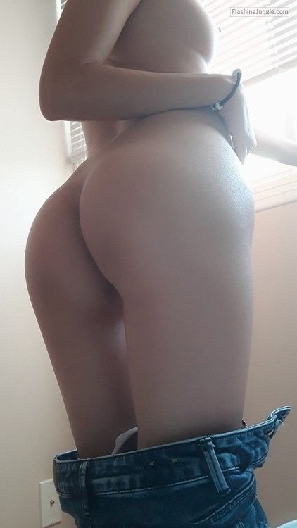 Teen Flashing Pics No Panties Pics Ass Flash Pics