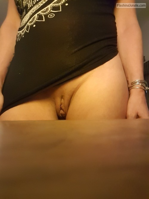 Meaty cunt fleshly shaved and clean pussy flash no panties