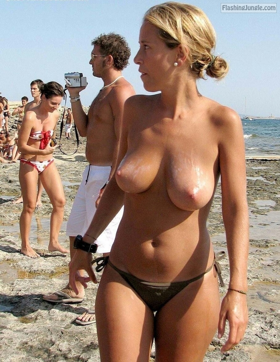 Topless wife with perfect breasts on beach voyeur public flashing milf pics boobs flash