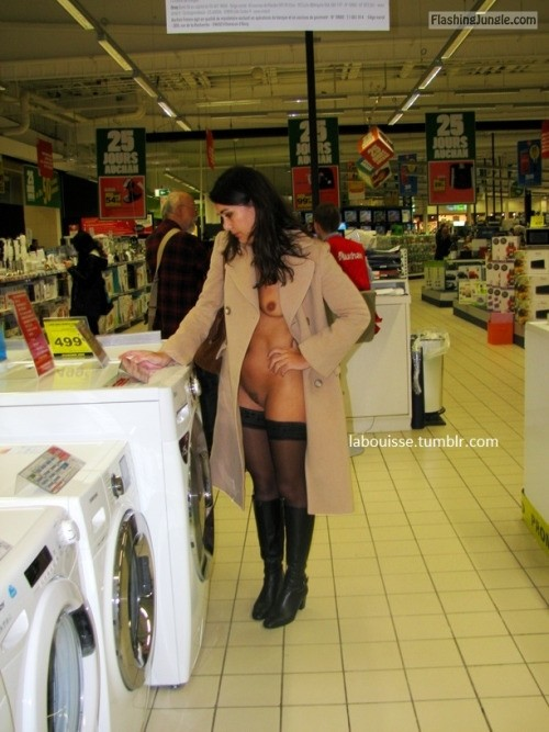 Milf in supermarket