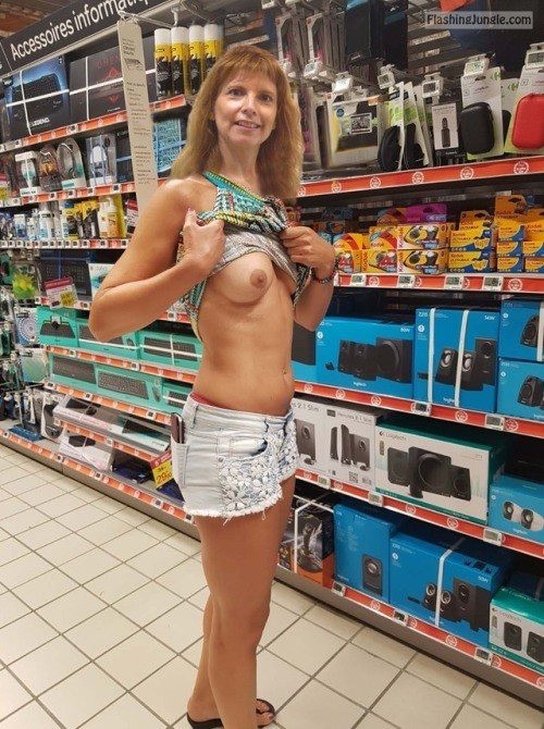 Speaking, opinion, Voyeur upskirt at walmart shall agree