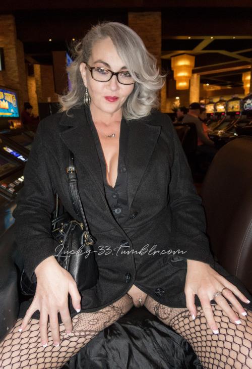 lucky 33: Dec 2017Red Rocks Casino no panties