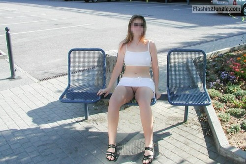 generalalpacacollectorthings: Hier wären noch zwei Plätze frei… no panties