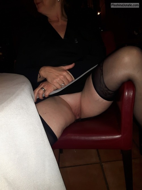 Commando in the restaurant no panties