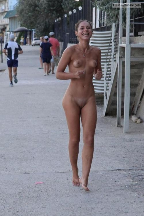 happyembarrassedbabes:Walking outside by ioutafmspaors Follow me... public flashing