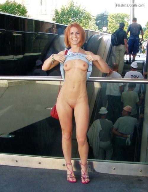 Public Flashing Pics