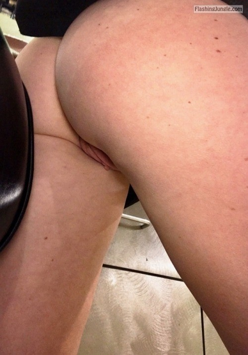 thepervcouple: 🔥🔥 no panties
