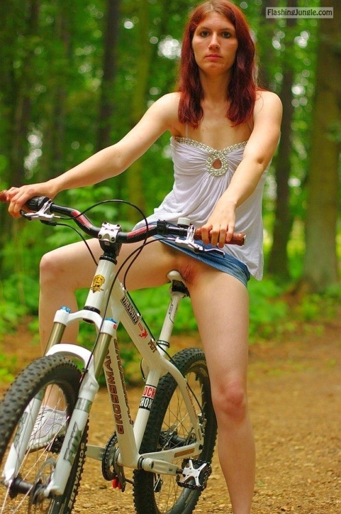 nounderwearisthebestunderwear:Pantyless bike ride in the woods public flashing