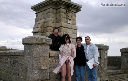 Family photo… public flashing