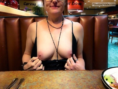 exhibitionist wife:Welcome to the buffet public flashing