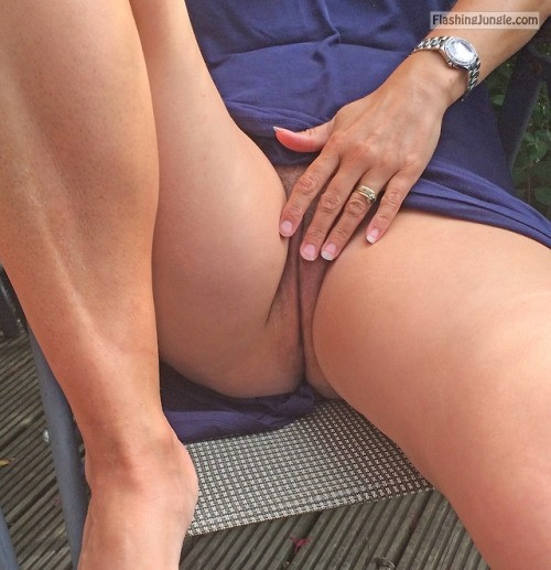 itsrockhard: flashing my pussy in the park no panties