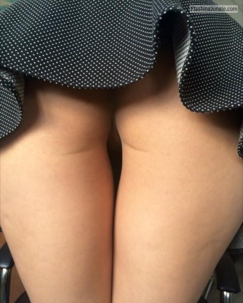 hotpeach69: More upskirt no panties