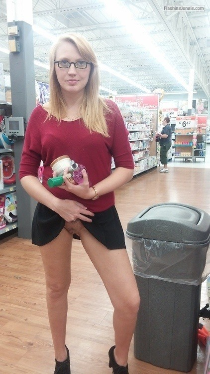 flashinginstores:Quick pussy flash in the store anyone? Love the... public flashing