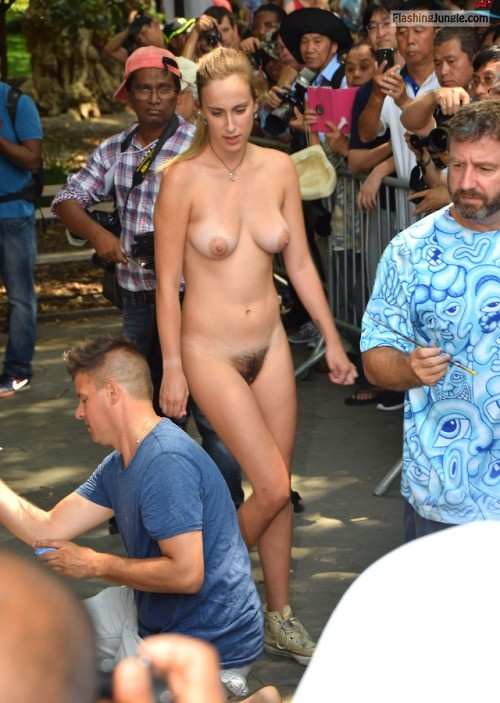 strangefascination74:Free the bush…….. Follow me for more public... public flashing