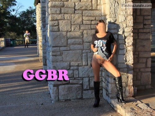 goodgirlbadreputation: Public playtime ! GGBR no panties