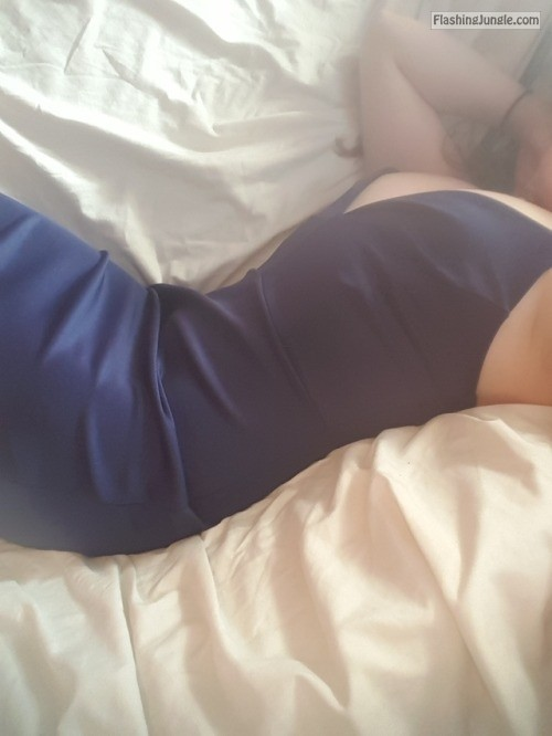 iwasnttryingtobeabitch: If you can't get a good date, treat... no panties