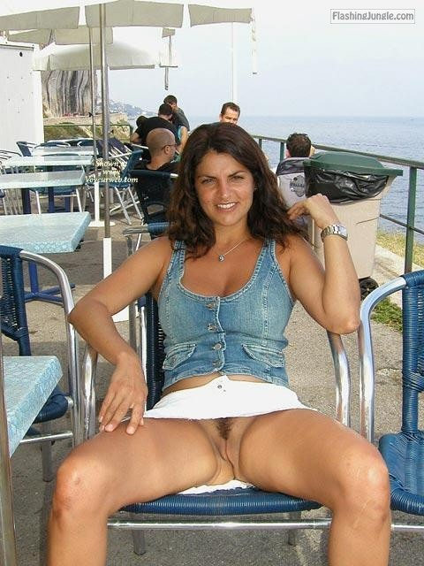 carelessinpublic:In a short skirt outside a restaurant and... public flashing