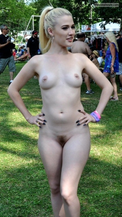mmm pretty: Performer Follow me for more public exhibitionists:... public flashing