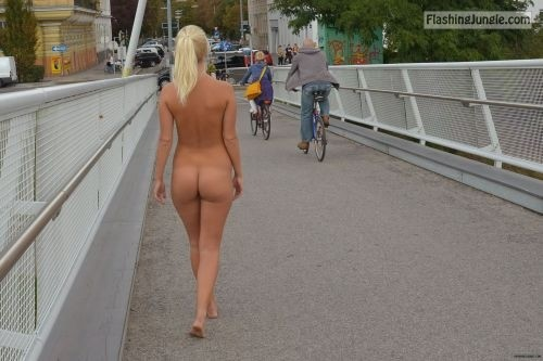 omg l00k at me:Terry from Prague. Follow me for more public... public flashing