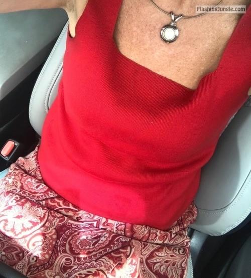 918milftexter: Peek a boo! 😉😘💋 no panties
