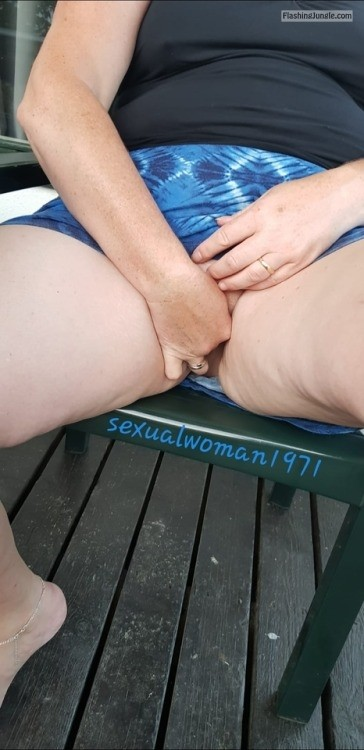 sexualwoman1971: It is so hot outside and inside ^^ no panties