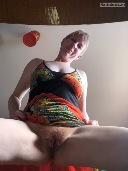sexycat2017: 😍😍Look at my pussy mmm 😍😍 no panties