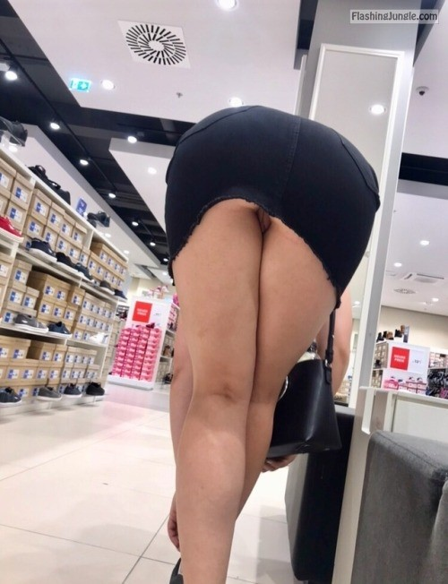 letussharewithyou: A day out shopping somewhere in Europe with... no panties