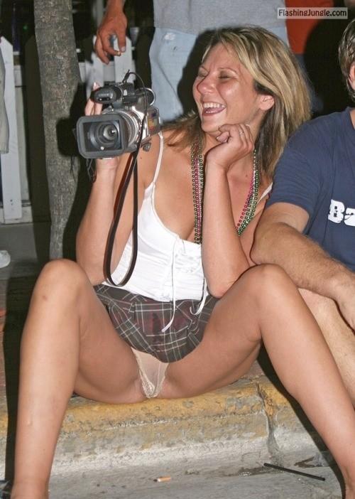 annerja56:Jij mag wel een privé filmpje van mij maken. public flashing