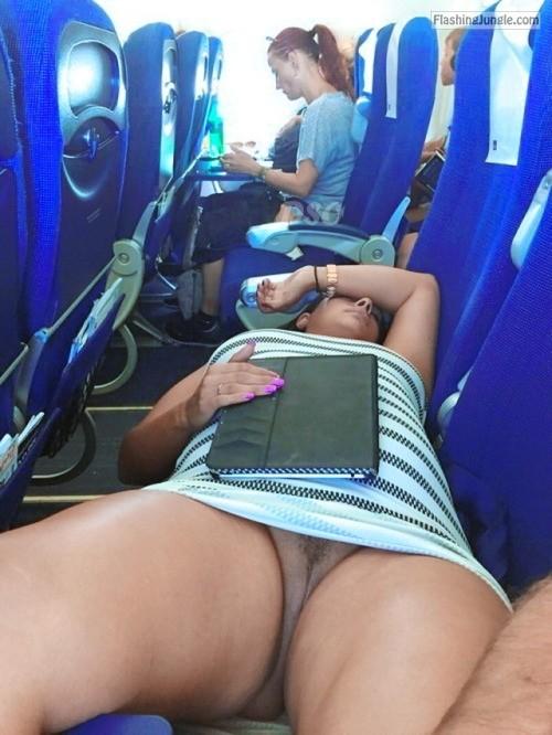 hot sleeping females:😉 public flashing