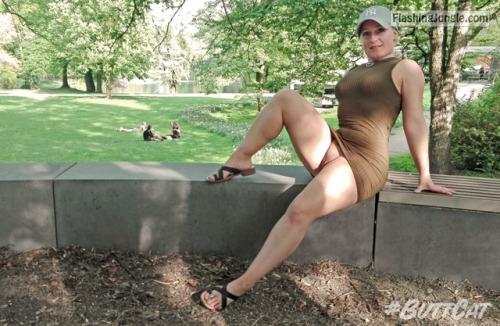 justbuttcat: mastersbuttcat: #buttcat relaxing in the... public flashing