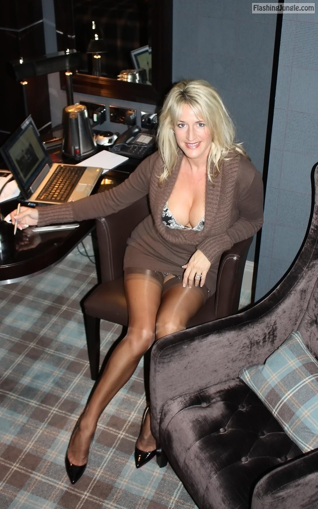 Accept. Sexy upskirt stocking picture galleries