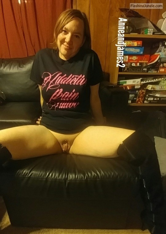 Pussy Flash Pics No Panties Pics MILF Flashing Pics